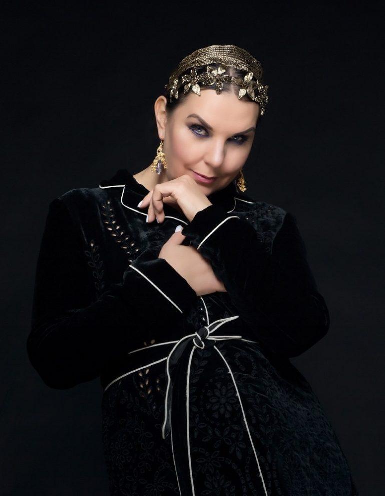 Яна Чернышова: cover girl.